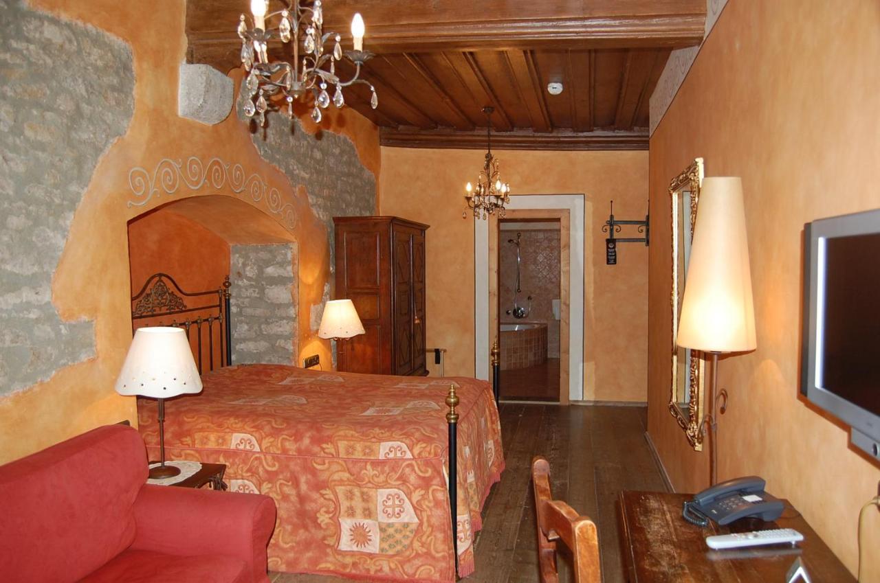 Hotel Gotisches Haus Rothenburg Ob Der Tauber Germany