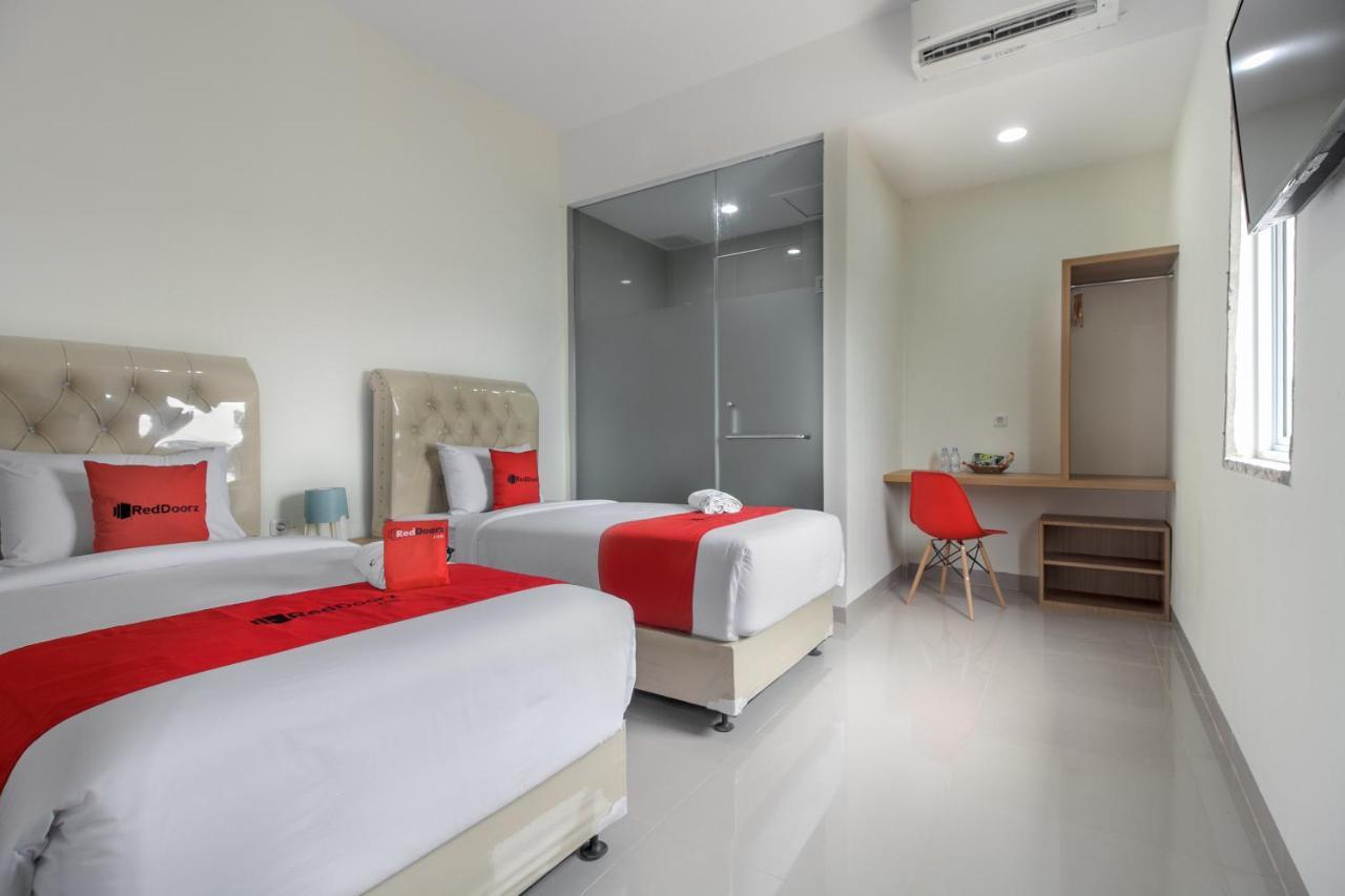 Reddoorz Near Mall Ska Pekanbaru Pekanbaru Harga 2019 Terbaru