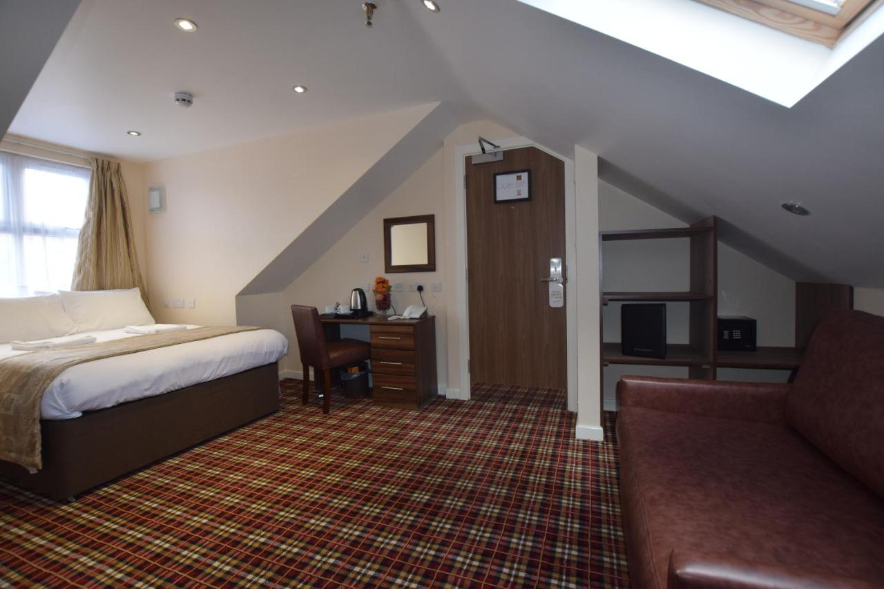 Lucky 8 Hotel Ilford Uk Booking Com