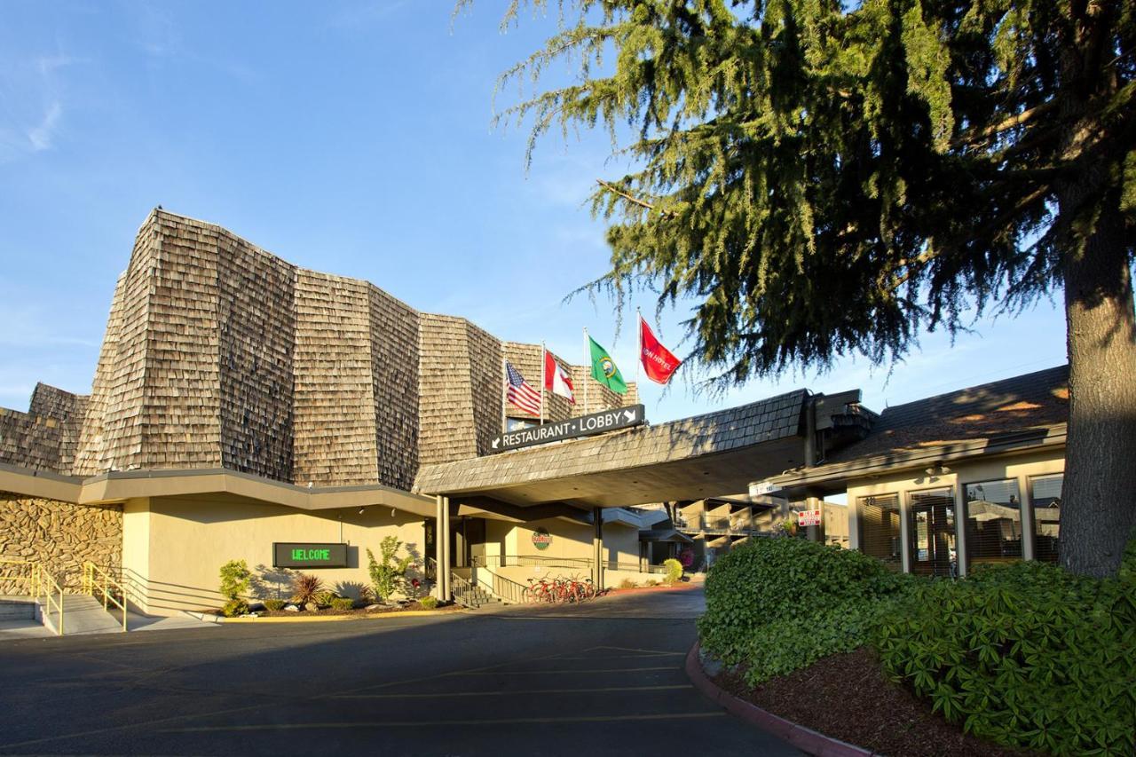 Red Lion Hotel Port Angeles Harbor Wa Booking Com