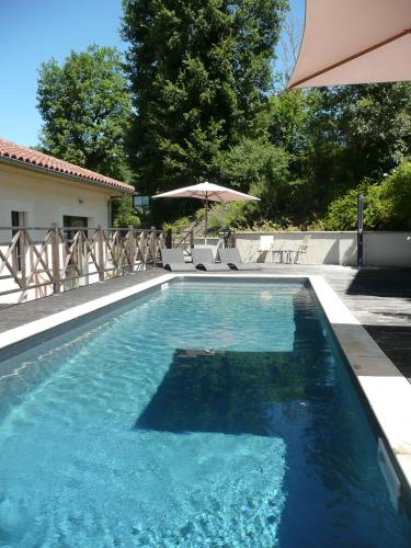 Hotel Le Vinois Caillac France Booking Com