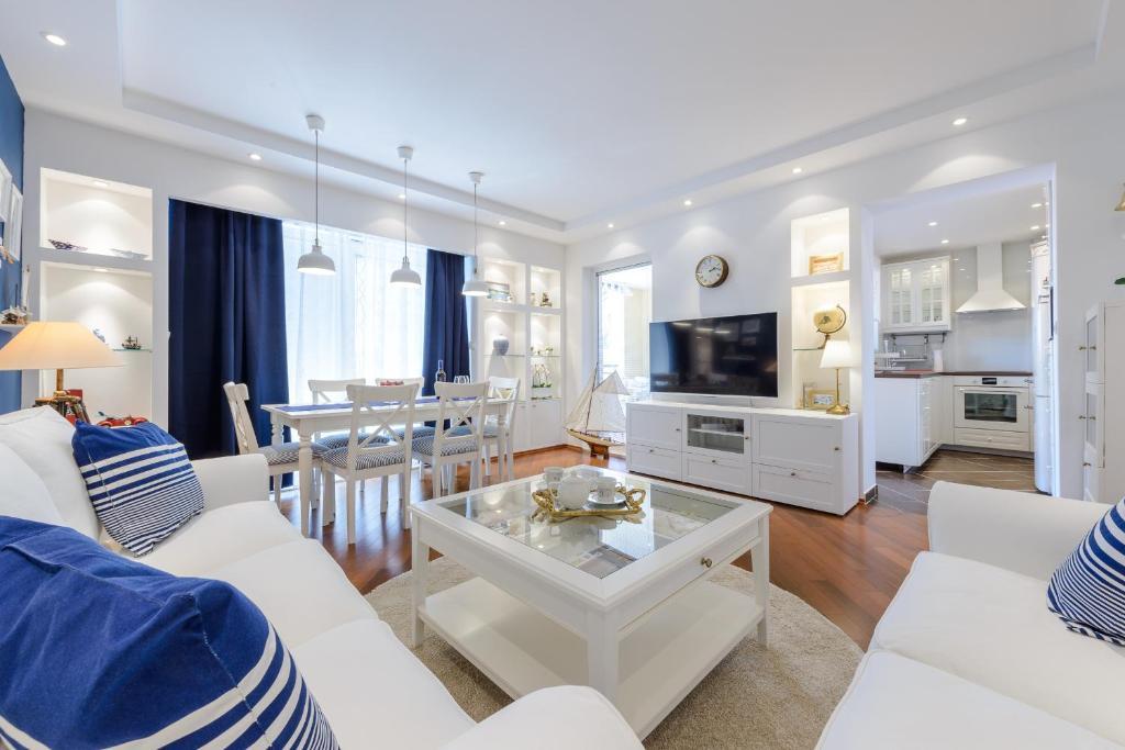 bedroom sofa dolphin fabric 3 2 beige brown set blumarine luxury apartment, dubrovnik, croatia - booking.com