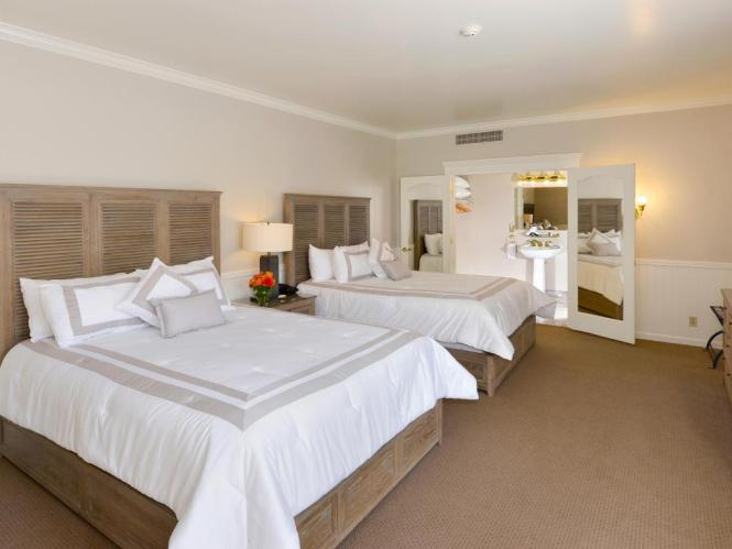 Carriage House Deluxe Double Beds