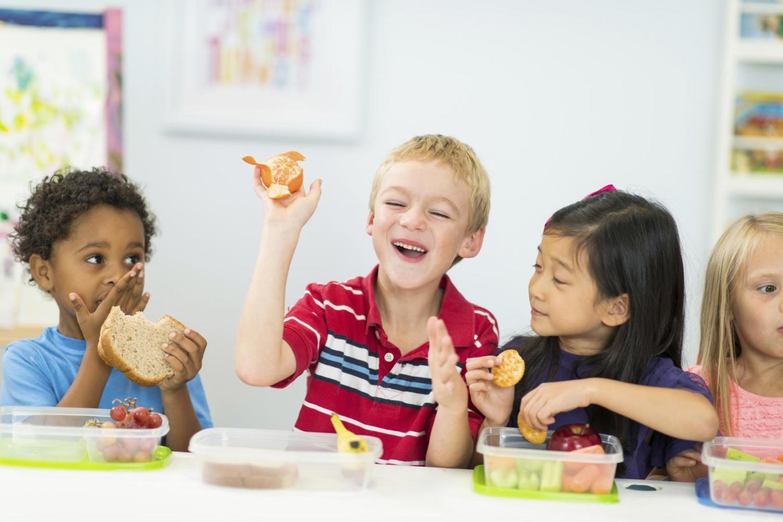 Resultado de imagem para kids snacking