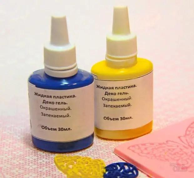 O plástico líquido é muito conveniente ao fazer artesanato de argila de polímero