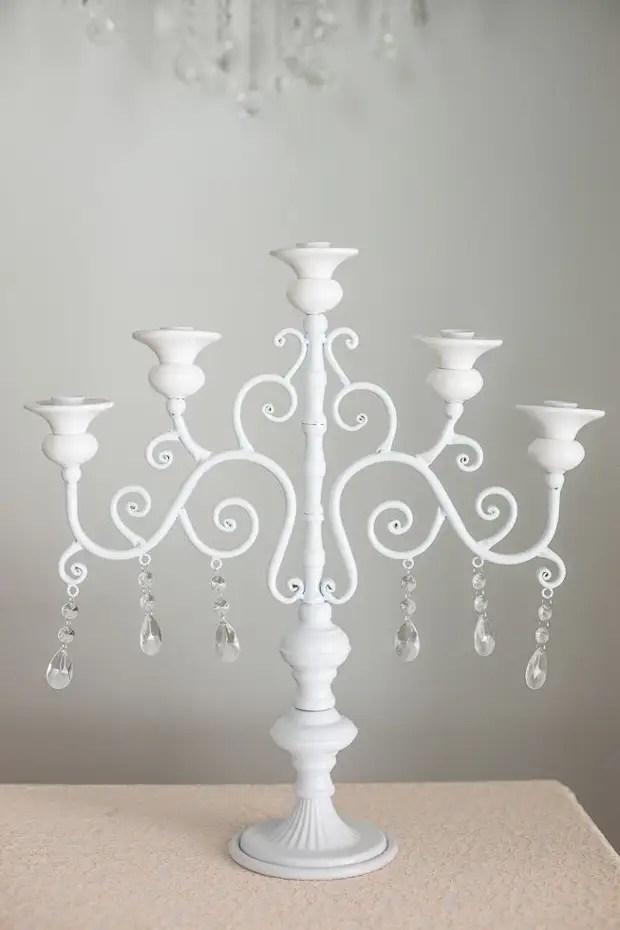 Chandelier blanc fabriqué parfaitement fabriqué parfaitement pour l'intérieur classique