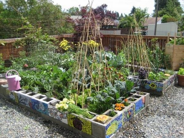cinder-block-garden-ideas-DIY-garden-beds