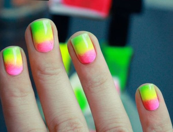 bright-and-easy-neon-gradient-nail-art-designs