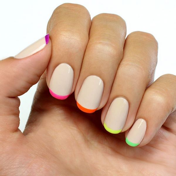 klassische French Maniküre Neon Tips Nail Art