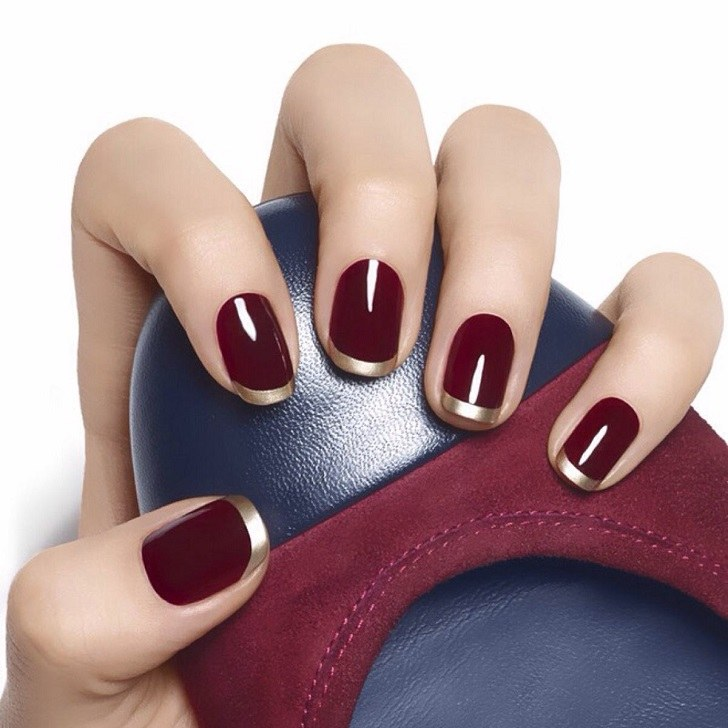 Fantastische French Nails Ideen Burgund und Gold