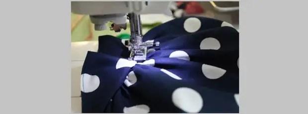 Прострочите на швейной машинке все швы