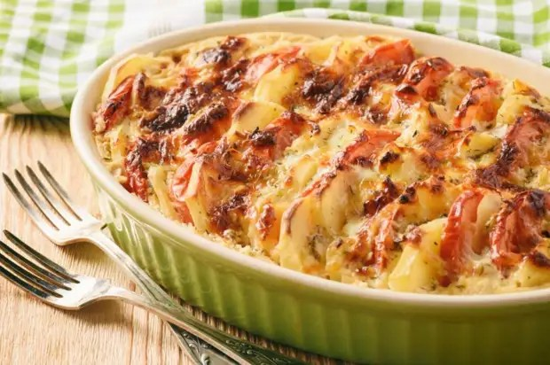 Etsiz Fransızlarda Patates: Fotoğraflarla Yemek Yapmak İçin Tarif