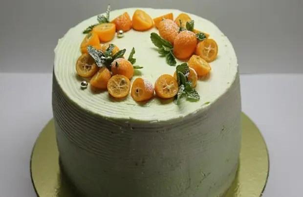 Как украсить большой торт мандаринами