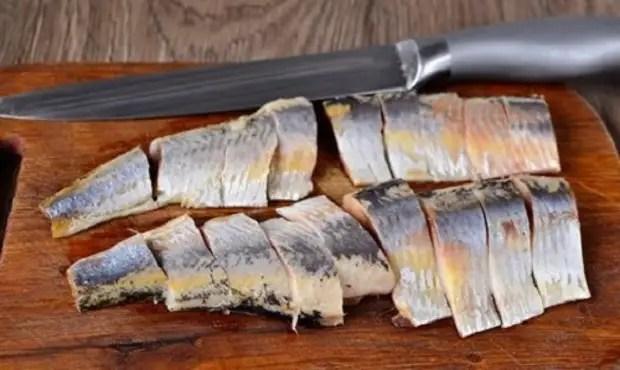 食谱:盐渍鲱鱼 -  17个最佳食谱。 如何在家里致敬的鲱鱼味道鲜美?