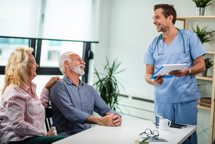 senior couple sees a stem cell doctor