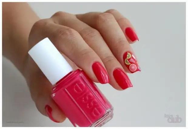 Frutas feitas a partir de salsichas de argila de polímero podem ser usadas em manicure