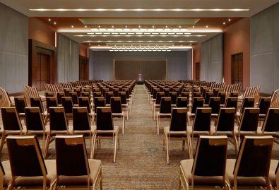 Ballroom---Theater-Style-Sheraton-Grand-Conakry-1