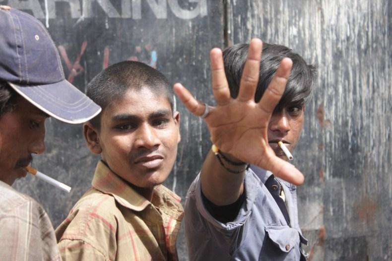 pakistani young men smoking
