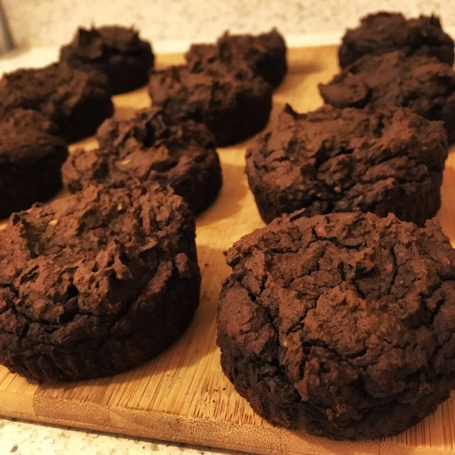 This recipe can also make pumpkin brownie MUFFINS!