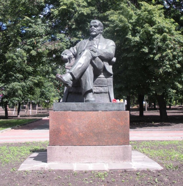 Lenin_Sits_Alone_by_rlkitterman