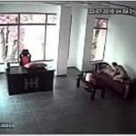 Image Patrão é filmado fudendo empregada no escritório