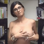 Image Mia Khalifa pelada mostrando a buceta lisinha