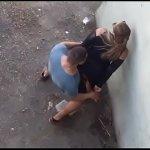 Image Casal fazendo amor no meio da rua