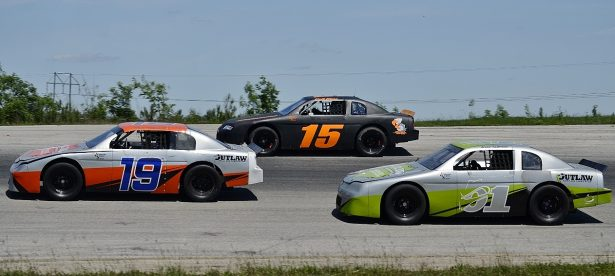 Allen Sampson (01) gets ready to go three wide with Colt Mize (15) and Taylor Barclay (19) in Lone Star Legacy practice. Photo by JM Hallas