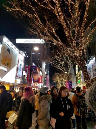 myeongdong-shopping-street
