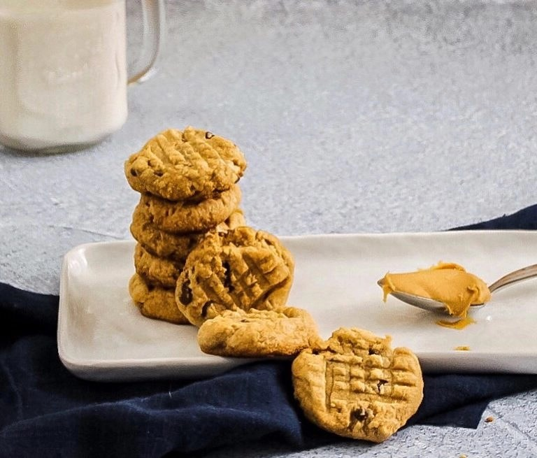 Quick Peanut Butter and Cinnamon Cookies
