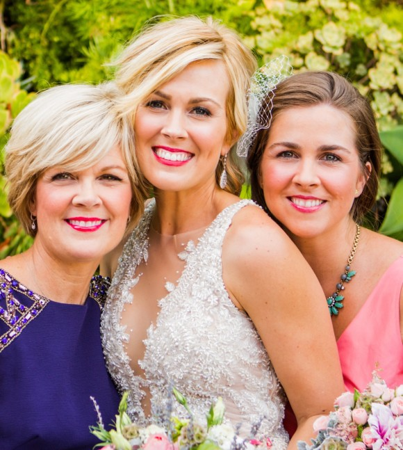 Rachel Cannon at her wedding with her mother and sister.