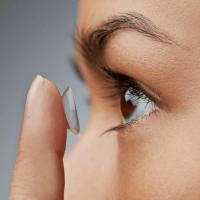 Você está cuidando bem das suas lentes de contato?