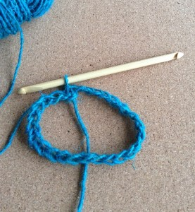 Join both ends with a slip stitch to make a circle.