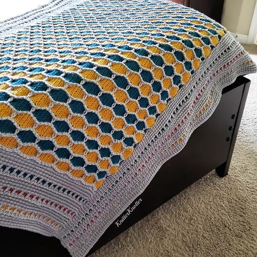 Tunisian crochet Madhu blanket, design by KnitterKnotter