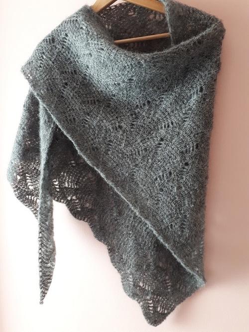 Tunisian crochet lace shawl, Vent du nord (Northern wind), design Rachel Henri