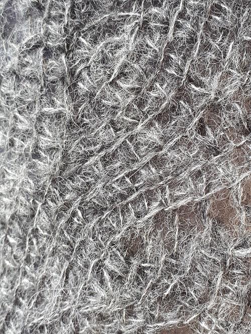 Close up Tunisian crochet shawl Vent du nord (Northern wind), design Rachel Henri