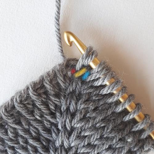 Double augmentation au crochet tunisien - le point tunisien tricot torse