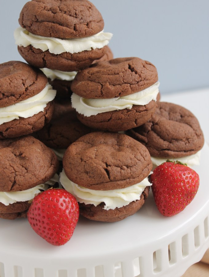 Chocolate Sandwich Cookies with Buttercream