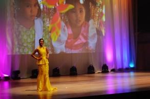 Riza Santos models for Kim Gan