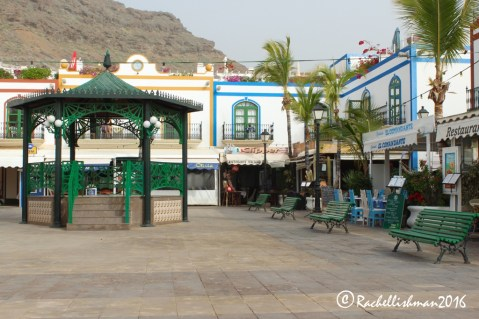 The main harbour square is enclosed by tasty seafood restaurants
