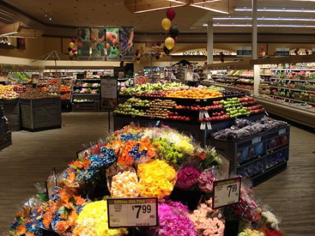 safeway produce section