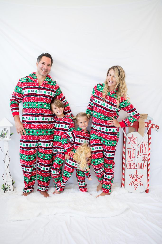 c1ca03055 My Family s Favorite Holiday Tradition  Matching Pajamas! - Rachel ...