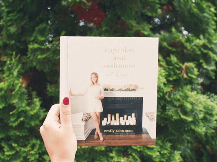 Cupcakes & Cashmere: At Home Book Review!