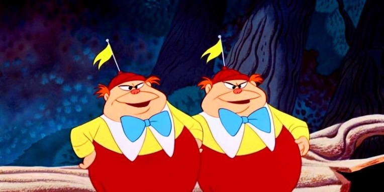 Tweedledee-Tweedledum-alice-in-wonderland-25961669-800-400