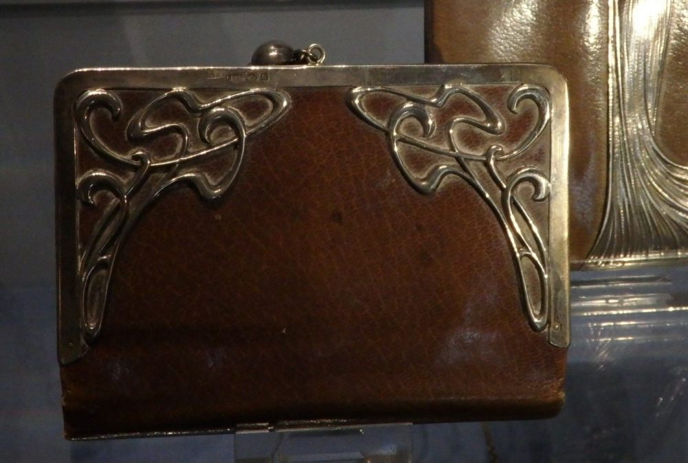 A lot of the bags were very pretty, like this art nouveau clutch.