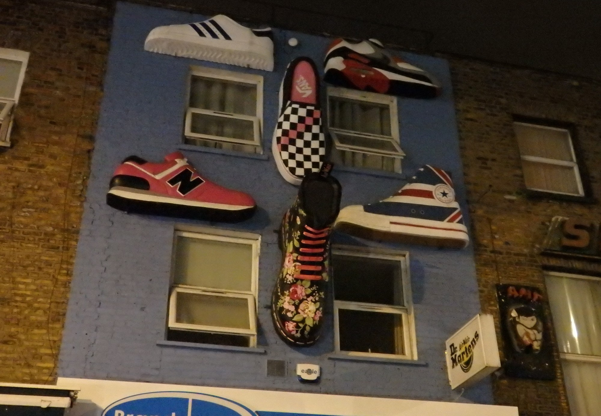 three-dimensional street art in Shoreditch, London