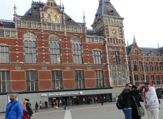 Amsterdam Central train station sightseeing