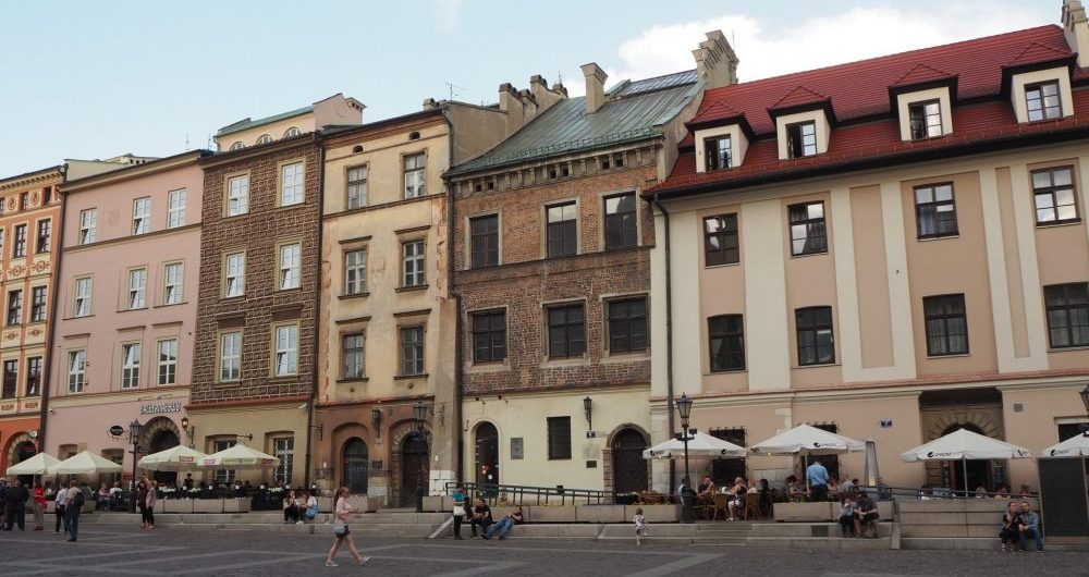 The market square called Mały Rynek in Krakow. Our starting point was in front of the pink building at the left end of the picture.