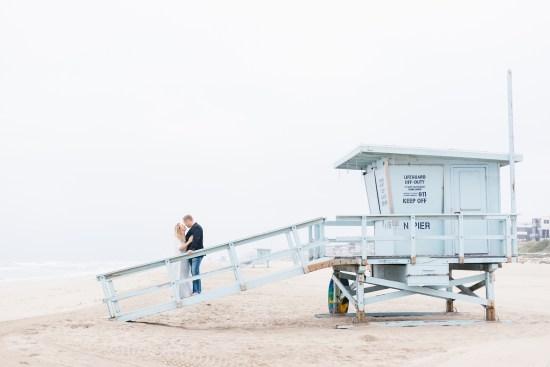 manhattan beach lifeguard tower