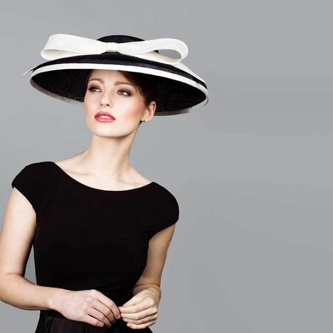 Navy and ivory cut through hat